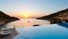 Daios Cove Luxury Resort & Villas : Infinity Pool Overlooking the Cove