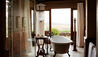 Singita Sasakwa Lodge : Cottage Bathroom