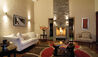Belmond Hotel Rio Sagrado : Villa Lounge And Fireplace
