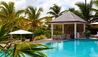 Sandpiper Beach House at Jumby Bay Island : Poolside Bar