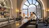 Fairmont Chateau Lake Louise : Couple At Bar