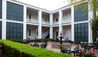 Monmouth Historic Inn : Courtyard
