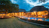Makanyi Private Game Lodge : Main Lodge At Night