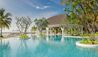 Kanuhura : Swimming Pool And Cowry Club Bar