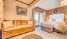 Chalet Elephant Blanc : Bedroom Four