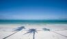 Baraza Resort and Spa : Beach