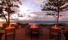 Grace Bay Club : Infiniti Bar At Dusk