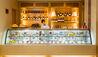 The Peninsula Tokyo : The Peninsula Boutique Café Cake Counter