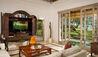 Villa Atas Ombak : TV Room