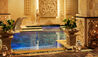 Royal Garden Villas & Spa : Spa Pool