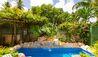 Caprice : Swimming Pool