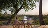 Rekero Camp : Drinks Overlooking The River