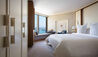 Four Seasons Hotel Sydney : Deluxe Partial Harbour Room