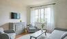 COMO Suite Living Room