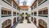 Raffles Singapore : Arcade Courtyard