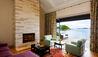 Helena Bay Lodge : Villa Suite Lounge