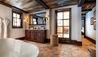 Airelles Val d'Isere Mademoiselle : Suite Bathroom