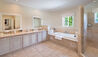 Stanford House : Bathroom