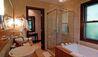 Double Five : Bathroom
