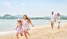 Santiburi Koh Samui : Family on Beach