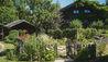 Le Chalet des Fermes : Gardens in Summer (Photo Credit: Les Chalets des Fermes / L. Di Orio, F. Ducout, D. Derisbourg F. Paubel & DR)