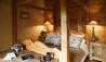 Le Chalet Chatel : Master Bedroom (Photo Credit: Les Chalets des Fermes / L. Di Orio, F. Ducout, D. Derisbourg F. Paubel & DR)