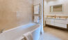 Blue Lagoon : Guest Bathroom