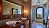 The Beach House : Bathroom