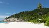 North Island : Family on Beach