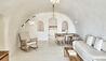 Mystique, a Luxury Collection Hotel, Santorini : Mystery Villa Living Area