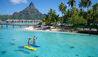 InterContinental Bora Bora Resort and Thalasso Spa : Paddleboarding