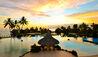 InterContinental Tahiti Resort and Spa : Swimming Pool at Sunset
