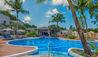 Waves Hotel & Spa by Elegant Hotels : Swimming Pool
