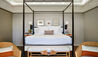 Rosewood Le Guanahani St Barths : four-poster bedroom suite